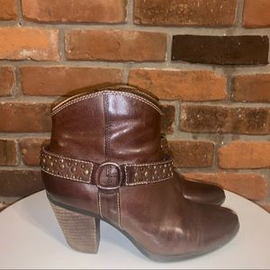 Soffit Brown Studded Boots Size 7